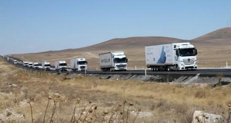 Der Hilfskonvoi auf dem Weg nach Gaziantep, Südtürkei
