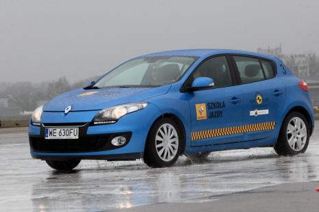 Warszawa 14.11.13 r. Szkola Jazdy Renault. fot. Jacek Lagowski / Forum