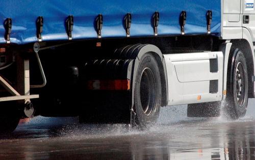 Opony Całoroczne Nie Wszędzie Wjedziesz Ciężarówką