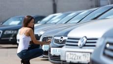 Większość samochodów używanych, które czekają na klientów w komisach, nie jest ich […]