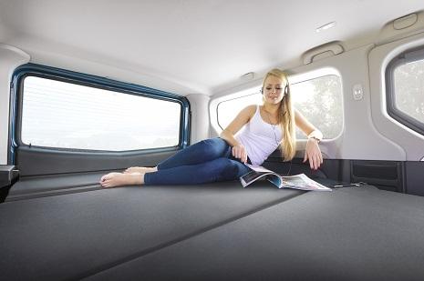 Opel-Vivaro-Li4