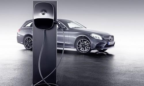 Na targach motoryzacyjnych w Genewie Mercedes- Benz zaprezentował dwa nowe, przedprodukcyjne modele […]