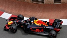 Daniel Ricciardo (Red Bull) wystartuje jutro z pierwszego pola do wyścigu mistrzostw […]