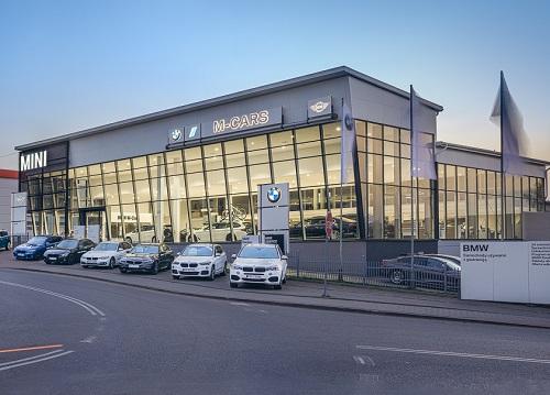 Salon BMW Li1