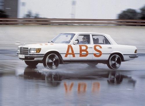 ukad-abs1