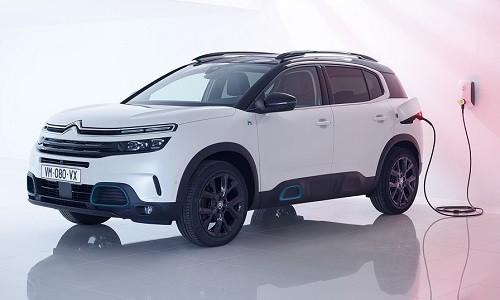 Citroën zaprezentował swój flagowy, zaawansowany technologicznie model C5 Aircross SUV Hybrid – […]