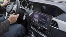 Ostrzeganie kierowców o robotach drogowych na autostradzie, korku za wzniesieniem lub o […]