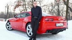 Camaro w wersji coupé w kolorze Pomarańczowym Inferno z czarnymi matowymi pasami […]