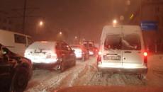 W całej Polsce pada dzisiaj (środa, 15 lutego) intensywnie śnieg. Warunki drogowe […]