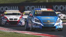 Chevrolety Cruze wywalczyły swoje trzecie potrójne zwycięstwo w sezonie podczas wyścigów w […]