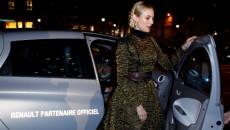 Aktorka Diane Kruger, która przyjechała na Pola Elizejskie samochodem elektrycznym Renault ZOE, […]