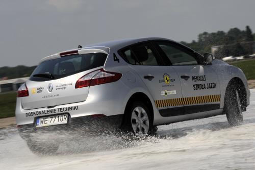 Szkola Jazdy Renault_odwilz_