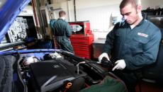 Mechanicy niezbyt często polecają swoim klientom stosowanie konkretnej marki oleju silnikowego, ale […]