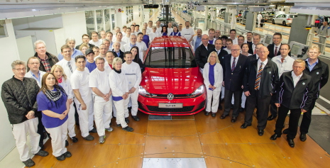 Volkswagen Werk Wolfsburg startet Serienproduktion des neuen Golf GTI