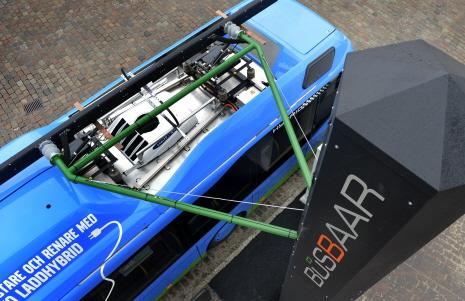 Volvo's 2_plug-in hybrid_5