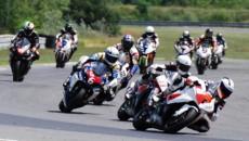 Automobilklub Wielkopolski zaprasza wszystkich kibiców wyścigów motocyklowych na I rundę Wyścigowych Motocyklowych […]