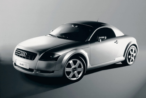 Sonderausstellung im Audi museum mobile: Geschichte und Geschichten um den Audi TT