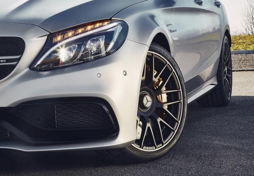 Mercedes-C63- Du