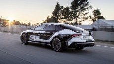 W trybie jazdy autonomicznej i bez udziału kierowcy – Audi RS 7 […]
