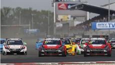 José María López zwyciężył w wyścigu głównym drugiej tegorocznej rundy WTCC FIA […]