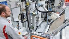Nowy pracownik pojawił się na linii produkcyjnej Audi A4/A5. To kolega- robot. […]