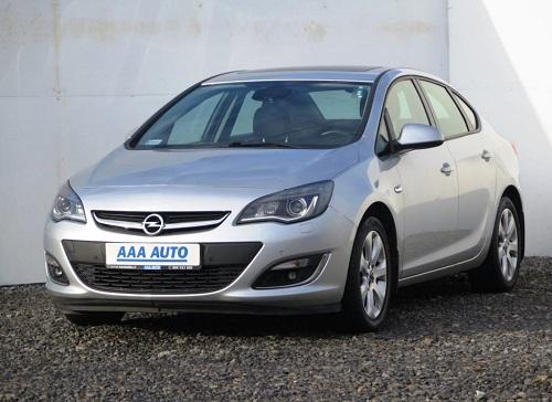 aaa-auto-Opel1
