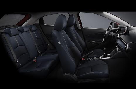Mazda2_4