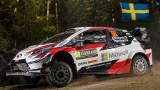 Elfyn Evans i Martin Scott (Toyota Yaris WRC) prowadzą po pierwszym etapie, […]
