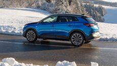 Opel postanowił udowodnić, że samochody zelektryfikowane sprawdzają się nie tylko w miastach. […]