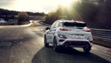 """Hyundai Motor zaprezentował zupełnie nowy model KONA N, miejski kompaktowy, sportowy """"hot […]"""