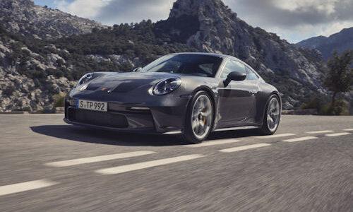 Siódmą generację potężnego samochodu GT o mocy 375 kW (510 KM) można […]