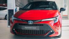 W salonach Toyoty, obok pełnej gamy nowych pojazdów marki, są dostępne także […]